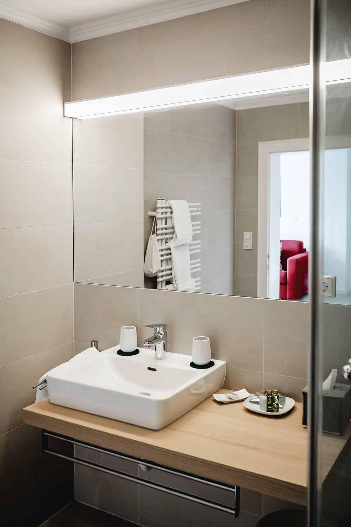 Impressionen Badezimmer-Panorama-Doppelzimmer-1
