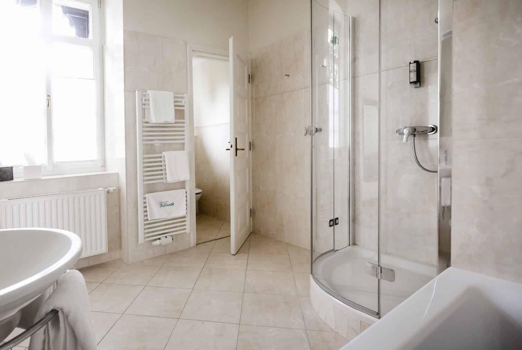 Impressionen Badezimmer-Suite-106