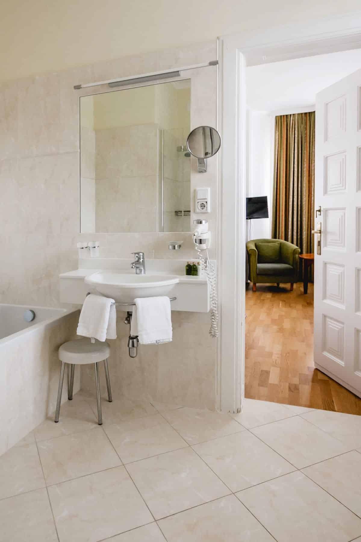 Impressionen Badezimmer-Suite-106_2